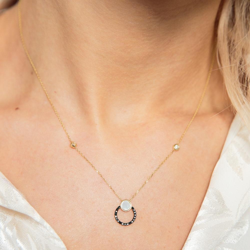 Naszyjnik ROYAL złoty z masą perłową i cyrkoniami