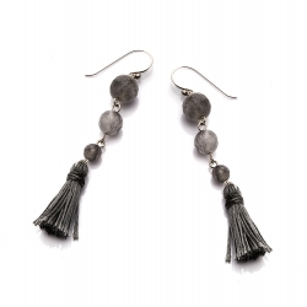Kolczyki LARA srebrne z szarymi frędzlami i kwarcem