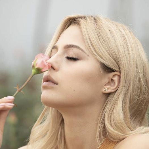 Kolczyki ROSALIE srebrne pozłacane różyczka