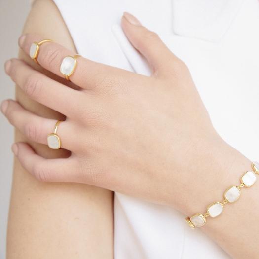 Pierścionek MODERN srebrny pozłacany z masą perłową