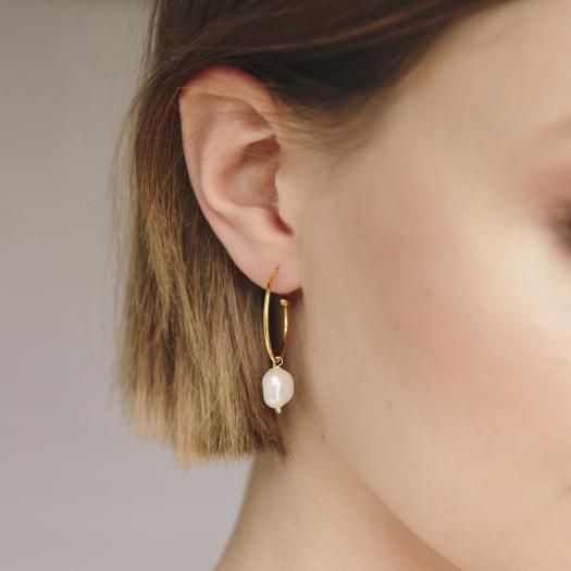 Kolczyki ARIEL srebrne pozłacane z naturalną perłą