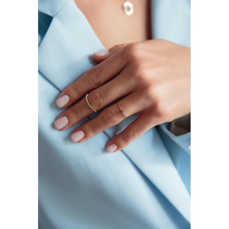 złote pierścionki w formie obrączki